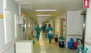 Imagen de un pasillo hospitalario. Foto: Sofía Hebrail