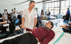 Fisioterapeuta y paciente en el Hospital Nacional de Parapléjicos Foto: Carlos Monroy